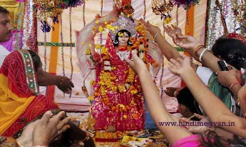 नवरात्रों में माँ दुर्गा की मूर्ति स्थापना कैसे करें